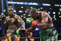 wilder-ortiz-fight (27)